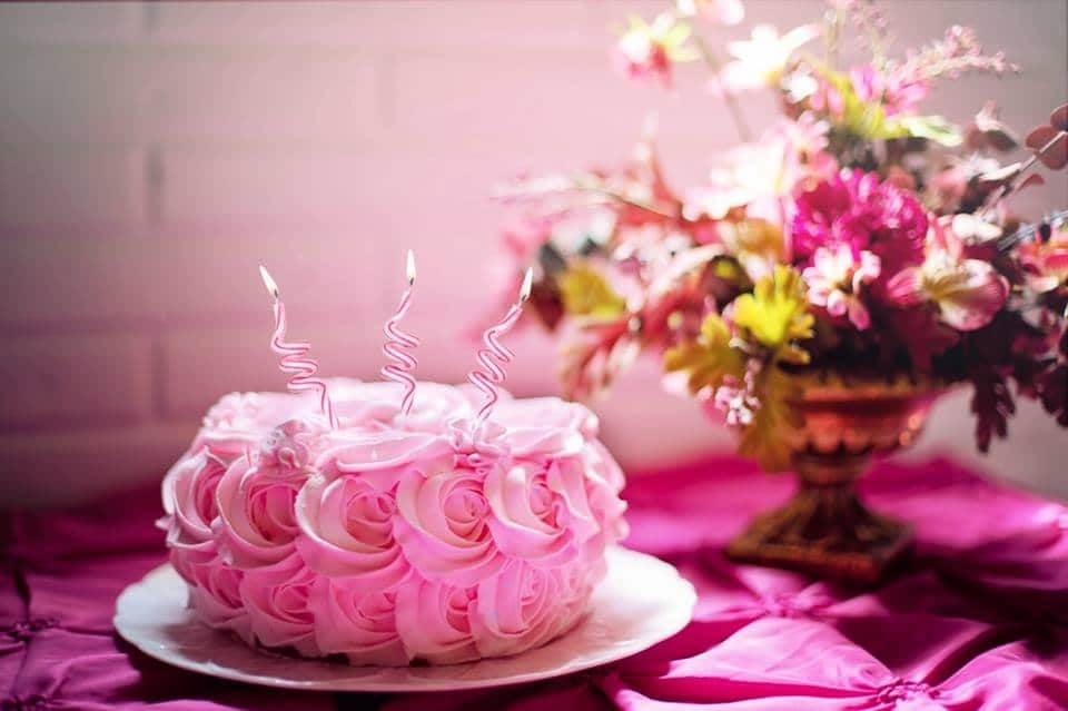 What Is The Reason To Choose Online Cake Delivery?