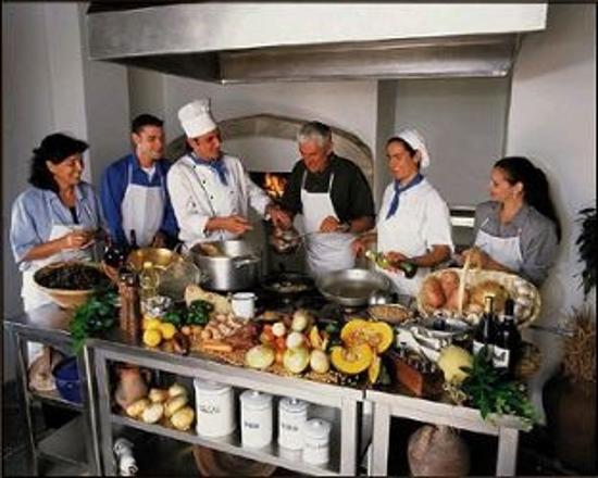 Why Should you Go for Cooking Classes?