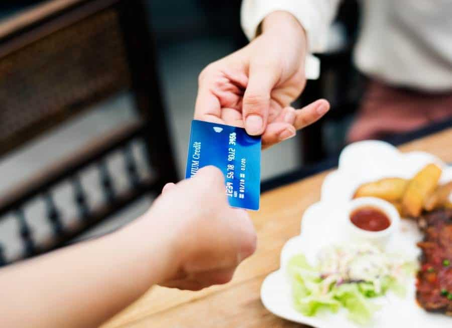 How to Save Money with Restaurant Merchant Services Providers