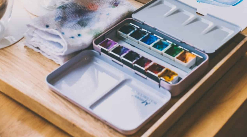 Watercolor kit for artists of all levels