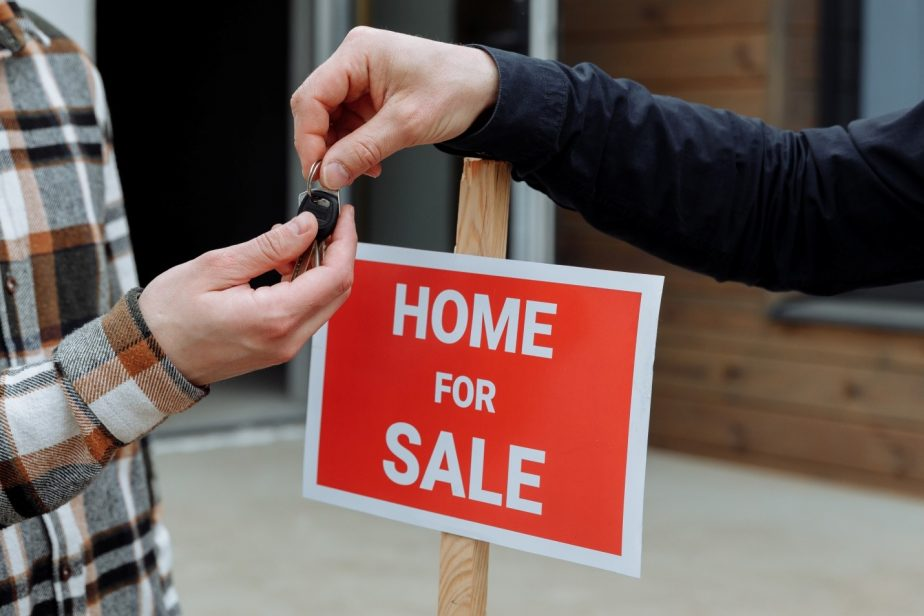 Buying a House in 5 Simple Steps