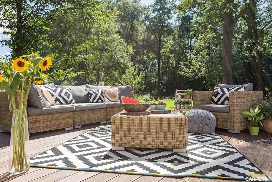 Outdoor Furniture – Give Perfect Look to Your Outdoor Space